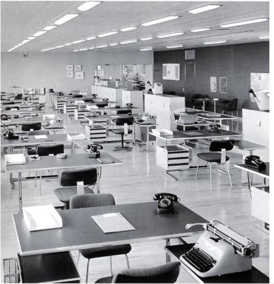 ufficio openspace vintage Pirelli Milano